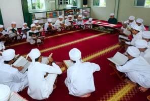 Guru di institusi pendidikan Islam terima bantuan sara hidup RM800