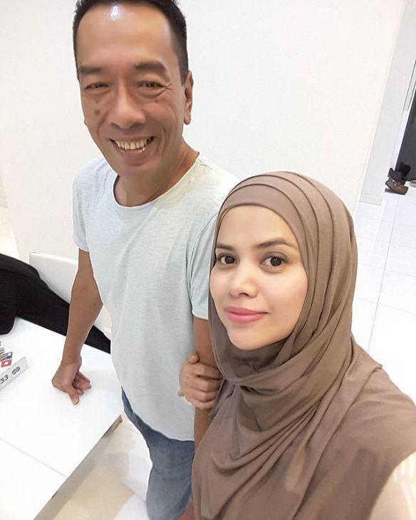 RAMLI MS dan Alyah bernikah secara rahsia di Indonesia pada 18 Mac 2013. Gambar fail