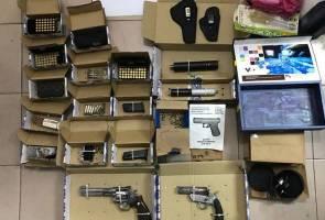 Polis jumpa ratusan peluru, pistol dan bom tangan aktif sewaktu serbu makmal dadah