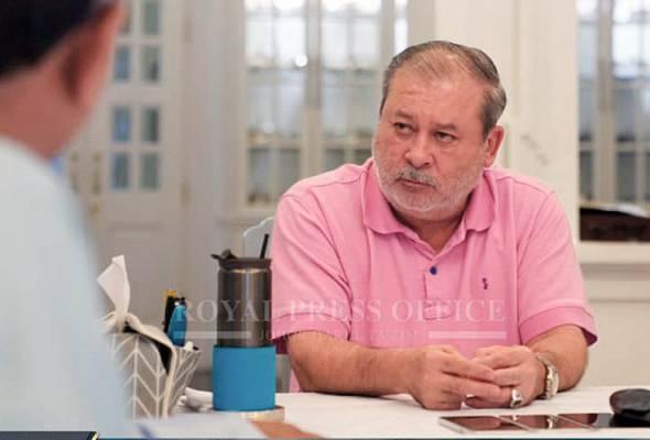 Sultan Ibrahim bertitah pemimpin politik berkenaan yang juga seorang Ahli Parlimen supaya dengan segera mengadap baginda.