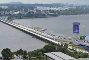 Buka sempadan: Utamakan 200,000 pekerja ulang alik harian ke Singapura - MB