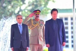 Dr Mahathir diberi sambutan negara di Pakistan