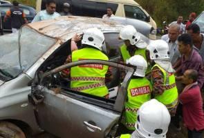 Van bertembung kereta, seorang maut, 20 cedera
