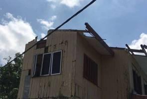Kanak-kanak 4 tahun nyaris diterbangkan ribut