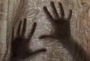 Pengawal keselamatan sekolah didakwa rogol 'kekasih', pelajar Tingkatan Satu