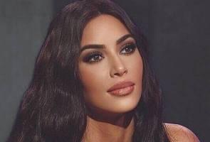Kim Kardashian buat tutorial guna sinki tandas