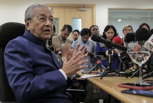 Nama calon Ketua Hakim Negara yang baharu sudah diserah kepada Agong - Tun M