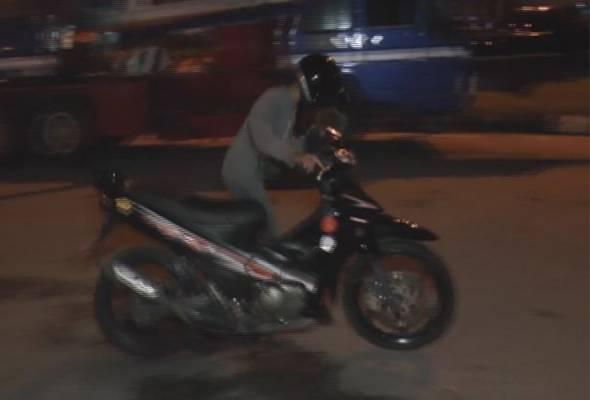 Guna motosikal bapa untuk lumba haram, remaja bawah umur ditahan