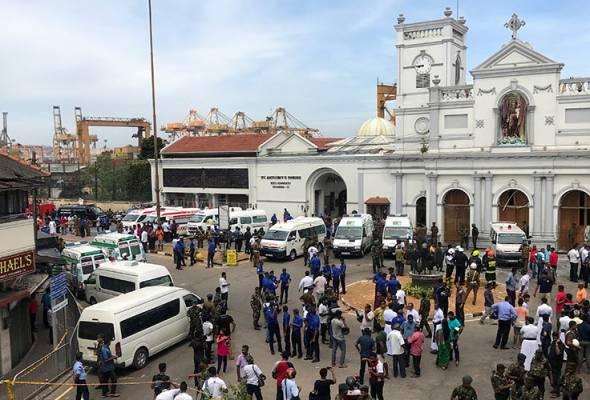 Tentera Sri Lanka berkawal di hadapan gereja St. Anthony di Kochchikade selepas kejadian letupan di Colombo, Sri Lanka, 21 April, 2019. REUTERS | Astro Awani
