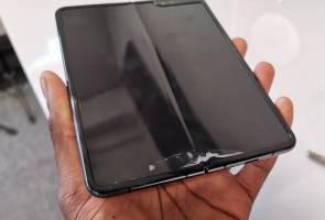 Baru beberapa hari diuji, telefon lipat Samsung dah rosak?