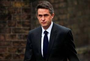 Bocorkan rahsia: Setiausaha Pertahanan Britain dipecat