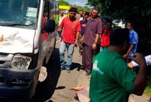 Warga emas maut dirempuh van Pos Malaysia