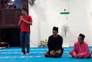 Sultan Johor murka ahli politik DAP jalankan aktiviti di dalam masjid