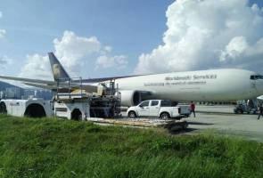 Sembunyi dalam tayar pesawat dengan hanya RM6, nasib baik tak sampai Korea!