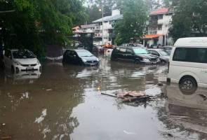 Banjir kilat Kota Kinabalu, puluhan kenderaan ditenggelami air