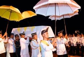 Bendera Malaysia dikibar separuh tiang sehingga esok