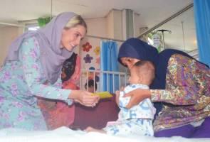 'Rupa-rupanya Cik Puan memang jelita orangnya' - Pesakit terpegun dengan isteri Tengku Mahkota Kelantan