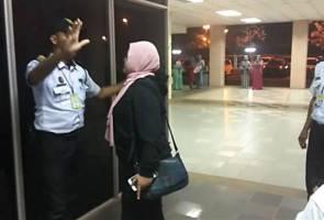 Wartawan didakwa dicekik 'pak guard' hospital