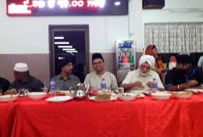 Anggota Parlimen Johor Bahru berbuka puasa di Gurdwara Sahib