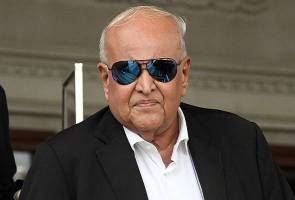 Najib to use former AG's affidavit to challenge Sri Ram's appointment