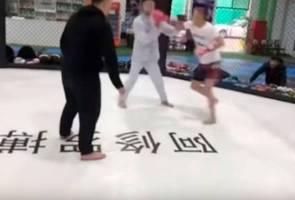 Hanya enam saat, pengamal Wing Chun tumbang di tangan petarung MMA 2