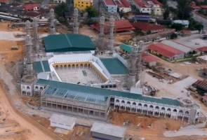 Masjid Razaleigh bercirikan Masjidil Haram Mekah dibuka akhir tahun 2