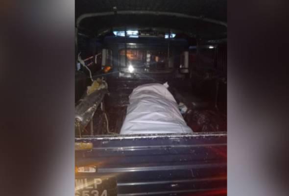 Mayat seorang lelaki tanpa pakaian ditemui oleh seorang nelayan di kawasan perairan Pulau Bumbum Besar.