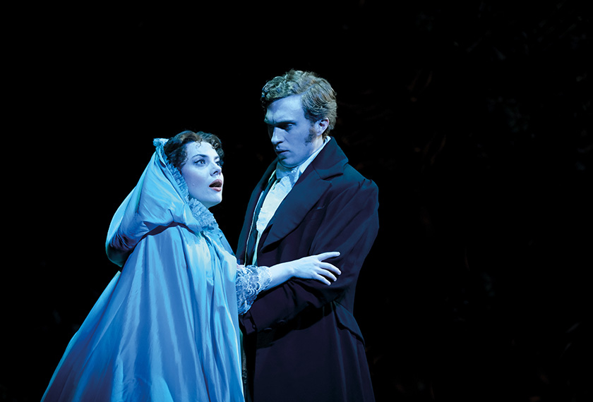 Raoul hanya seorang lelaki biasa yang jatuh cinta dengan Christine. - Base Ent