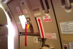 Penumpang panik selepas lelaki buka pintu kecemasan pesawat