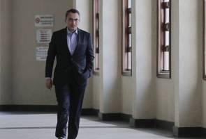 Perbicaraan SRC: Keterangan saksi bercanggah, perbicaraan ditangguh