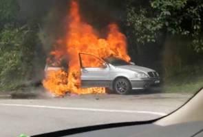 Hajat beraya terbantut, kereta terbakar di tengah jalan