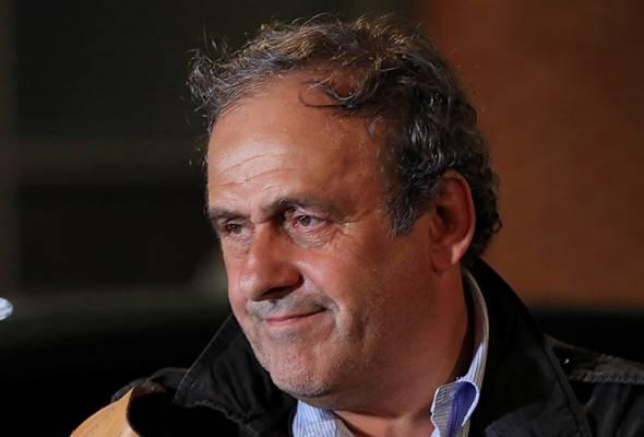Platini ditahan di Nanterre di Paris pada pagi Selasa dan dibebaskan pada lewat malam. | Astro Awani