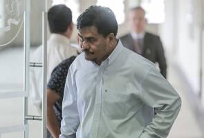 Kes rasuah Tengku Adnan: Pemandu peribadi sahkan tebus cek RM2 juta