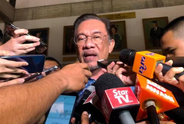 ANWAR: Kita ada mesyuarat Majlis Presiden Pakatan Harapan dan (itu) tentu ruang terbaik untuk kita bincang termasuk cadangan Perdana Menteri Tun Dr Mahathir Mohamad yang terbaharu. - Foto Astro AWANI/Fareez Azman | Astro Awani
