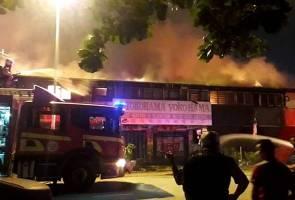 Tujuh kedai sederet di Jubilee Park musnah dalam kebakaran