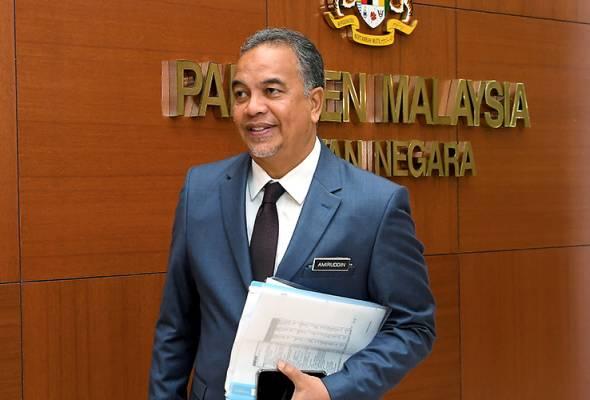 Timbalan Menteri Kewangan Datuk Amiruddin Hamzah hadir pada sidang Dewan Negara di Bangunan Parlimen hari ini. - Foto BERNAMA | Astro Awani