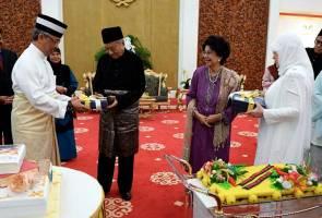 Agong buat 'surprise' untuk Tun Mahathir