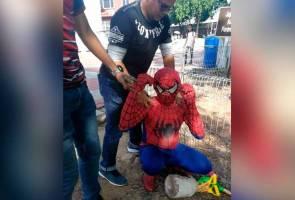 'Spider-Man' tinggal terlebih masa di Malaysia hingga dicekup Imigresen