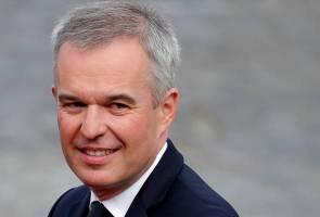Gara-gara makan malam mewah, Menteri Perancis letak jawatan
