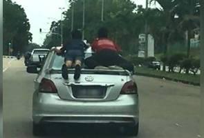 Padah bawa kanak-kanak bergayut belakang kereta, pemandu ditahan