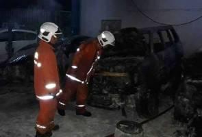 Tiga kereta rentung dalam kebakaran di bengkel
