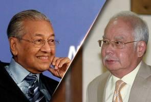 Najib sertai rakyat ucap selamat pada Dr Mahathir