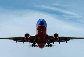 Juruteknik maut tersepit pintu pesawat