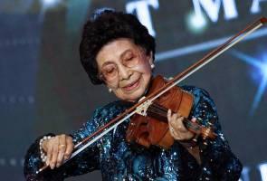Gesekan biola Tun Siti Hasmah pukau lebih 1,000 hadirin