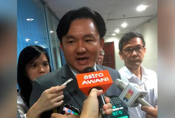 Dalam pada itu, Ahmad Faizal memberi jaminan proses perundangan ke atas Paul Yong (gambar) tidak akan menjejaskan perjalanan pentadbiran kerajaan negeri Perak. - Gambar fail   Astro Awani
