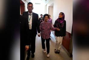 Selepas terima rawatan, Dr Siti Hasmah dibenarkan pulang