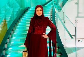 Siti Nurhaliza terima anugerah Usahawan Muda Paling Berpengaruh 2019