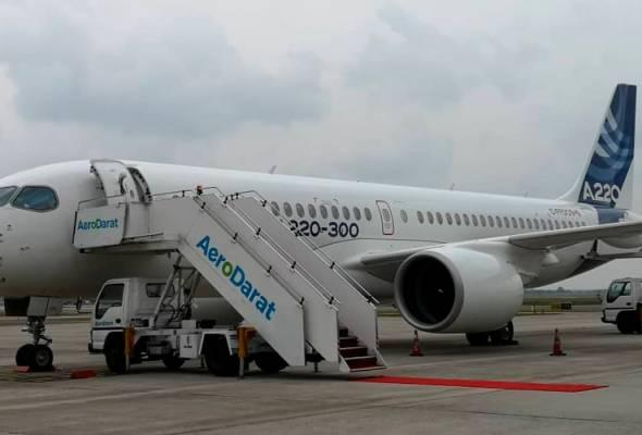 Ruang tempat duduk yang luas dan menjimatkan minyak, antara keistimewaan Airbus A220-300. | Astro Awani