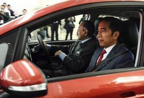 Jokowi kongsi keterujaan naiki Proton dipandu Dr Mahathir
