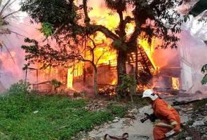 Dua beradik terjun dari tingkat dua selamatkan diri dari kebakaran